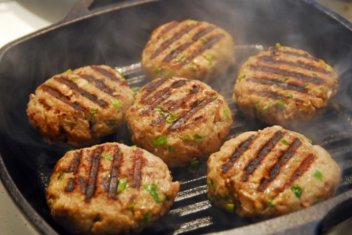 Geinger-Garlic Turkey Burgers
